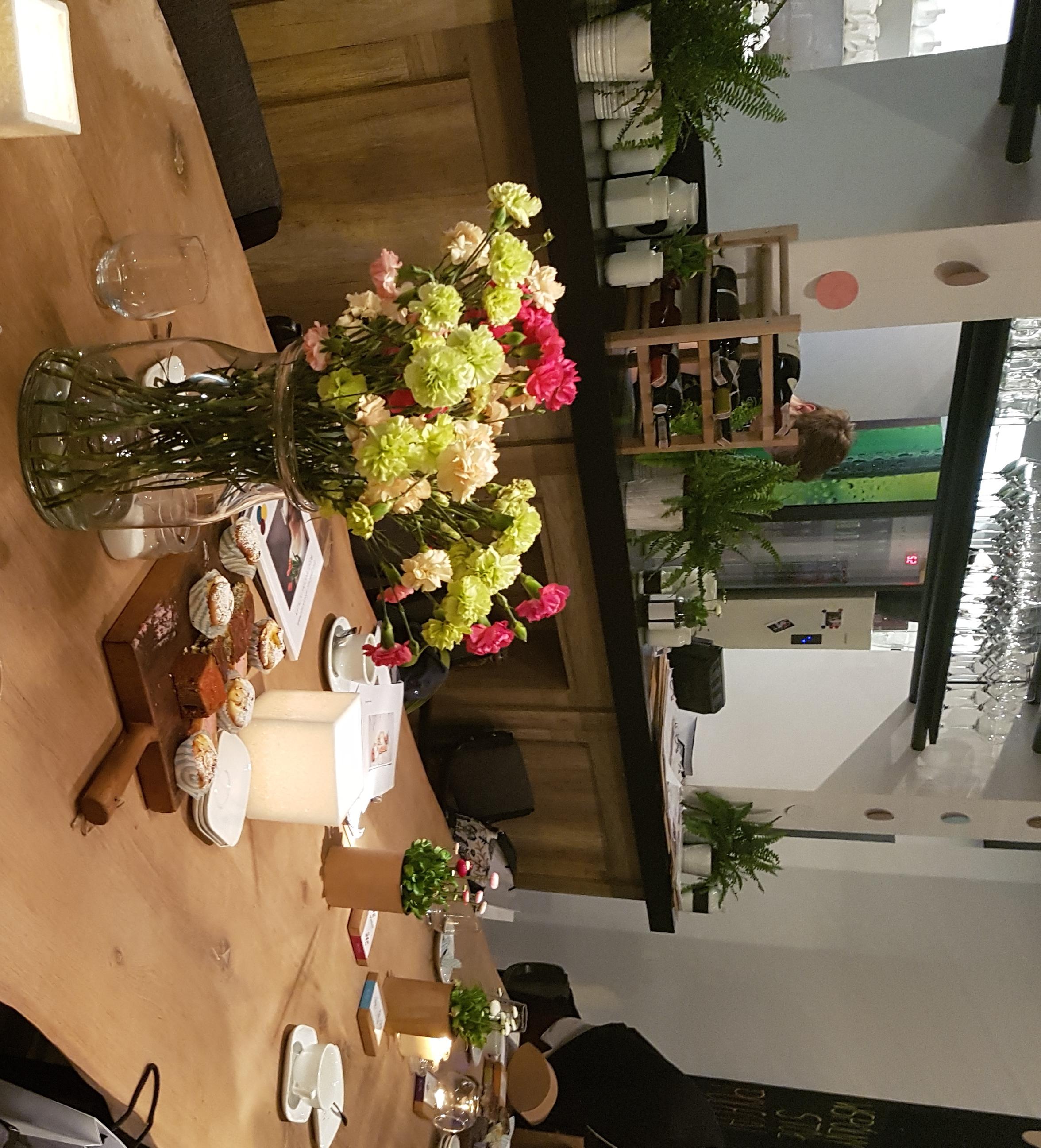 świece zapachowe marki Olynk na spotkaniach przy blasku.