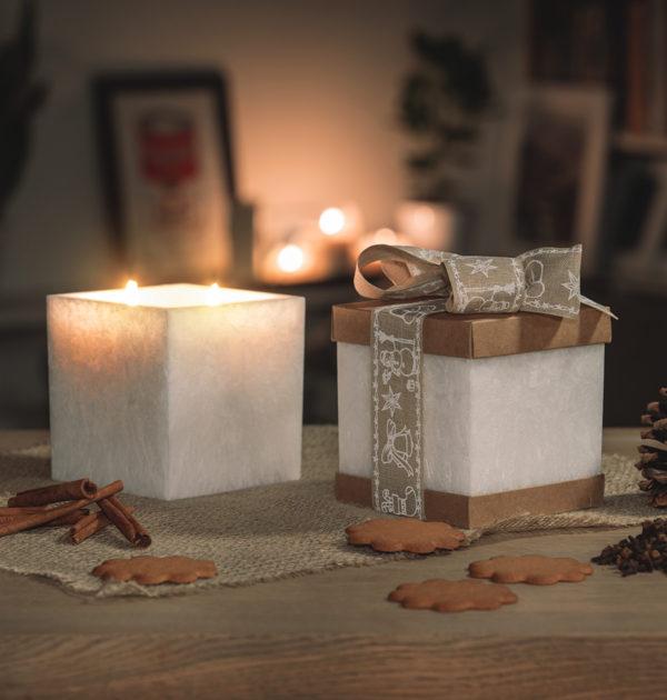 Świeca zapachowa w lampionie o zapachu Goździków- KOLEKCJA DOBRYCH PREZENTÓW